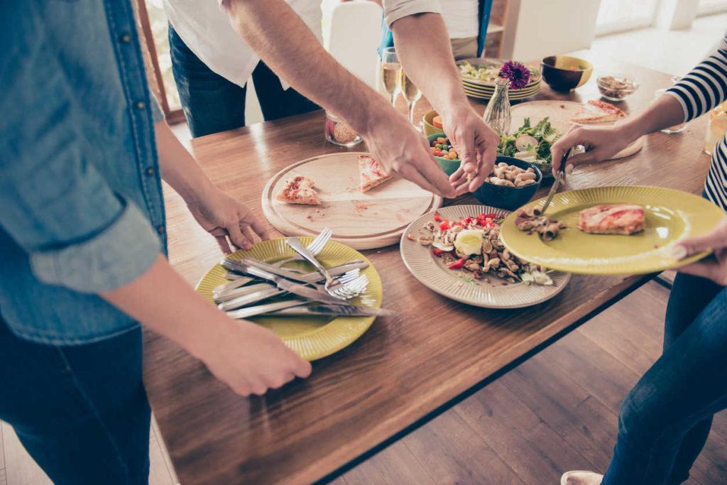 10 tipov, akonemrhať jedlom