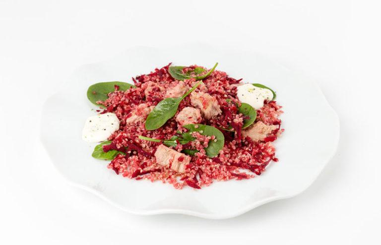 Quinoa scviklou, špenátom atuniakom
